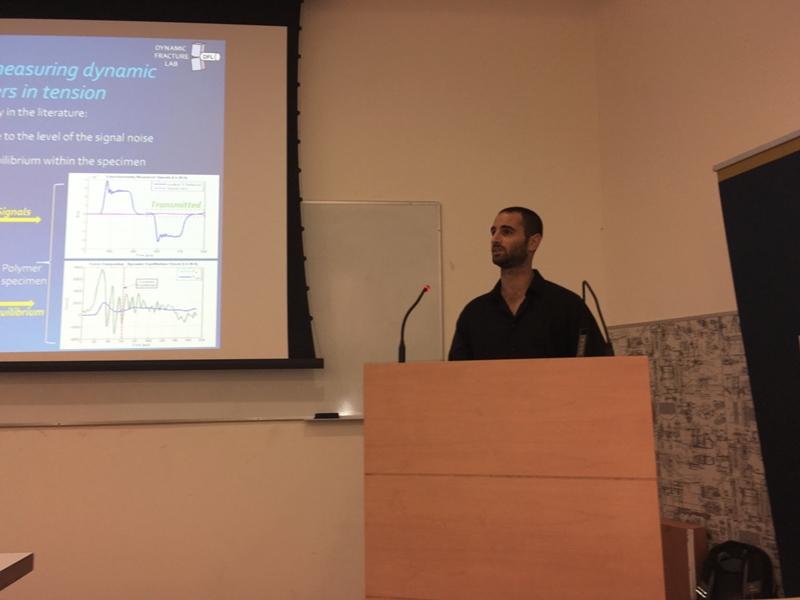 Sagy Cibola presenting his master's seminar