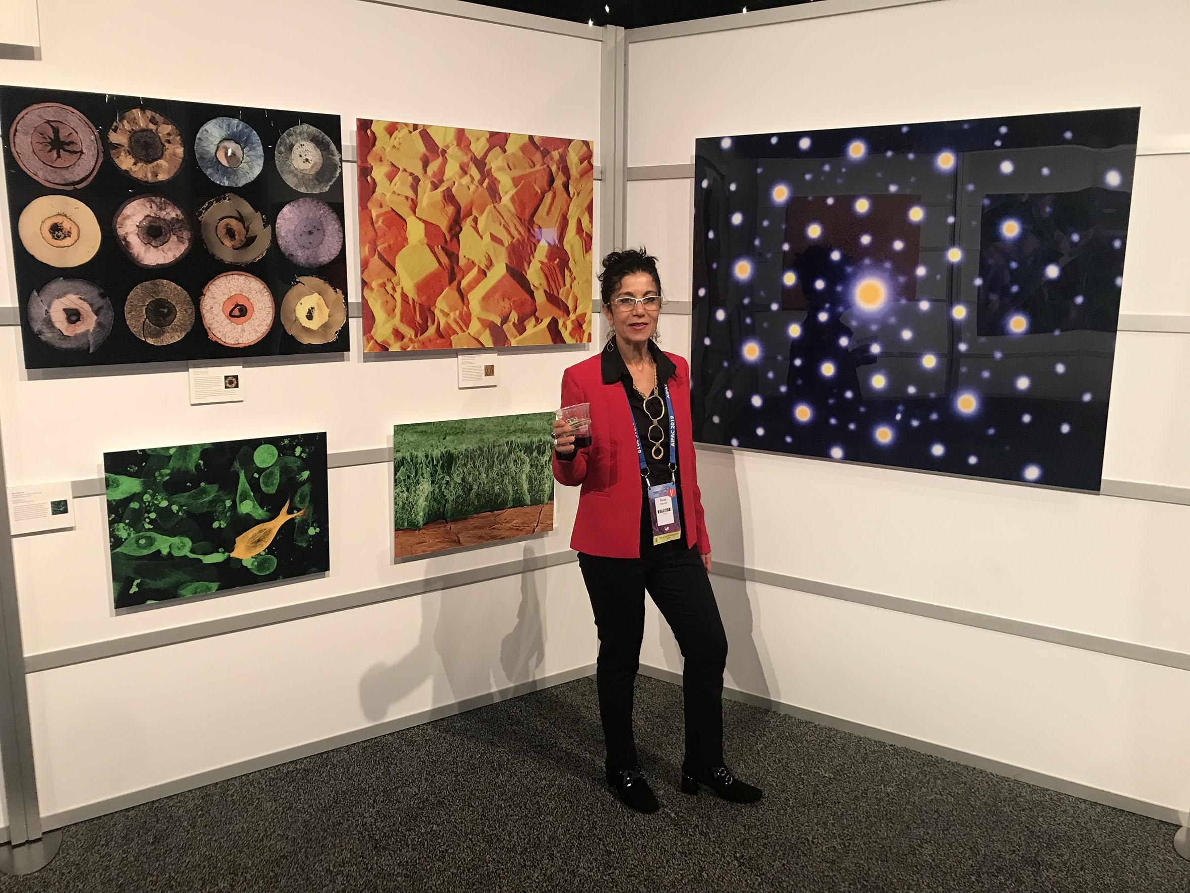 Z. Lovinger's work in the exhibition